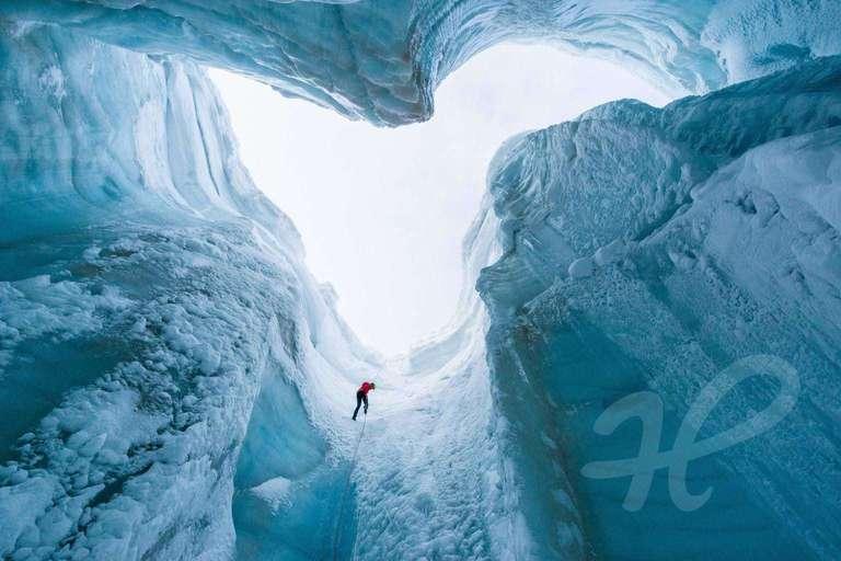 Abseilen in den Gletscher