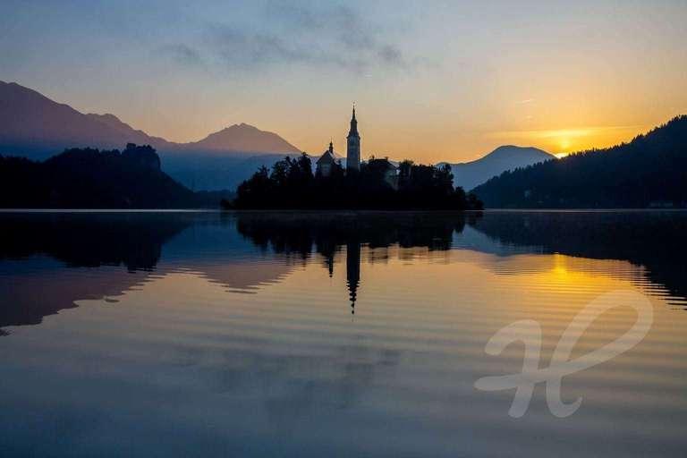 Kircheninsel im Sonnenaufgang