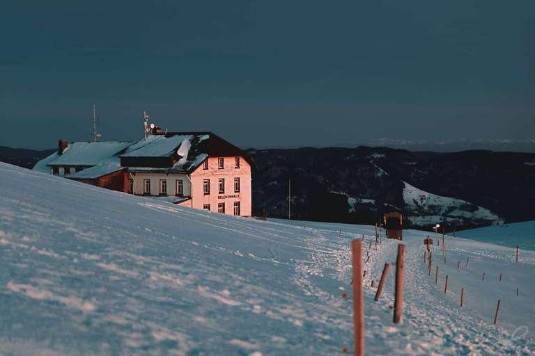 Das Belchenhaus im Abendrot