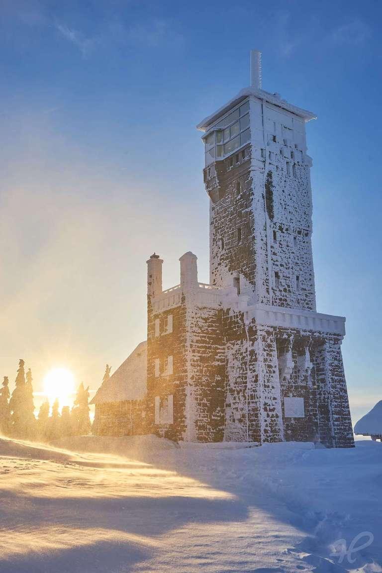 Sonnenaufgang auf der Hornisgrinde im Winter
