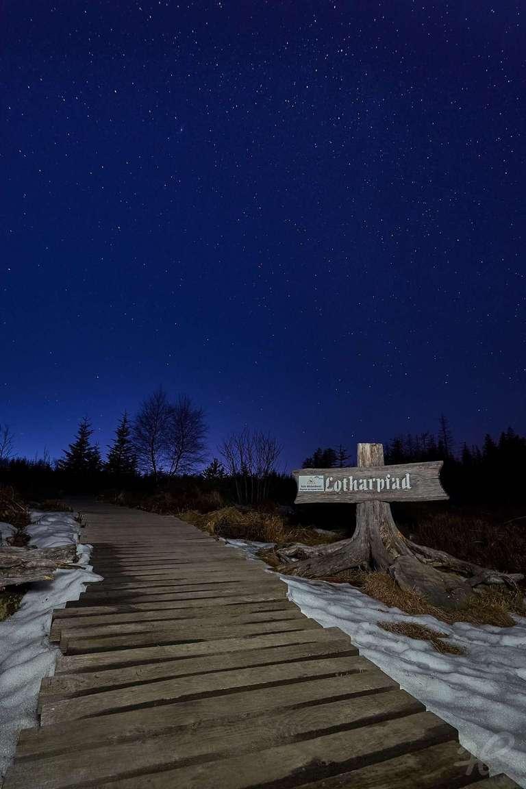 Lotharpfad bei Nacht