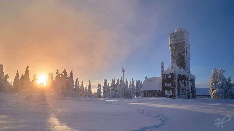 Hornisgrindeturm im Winter
