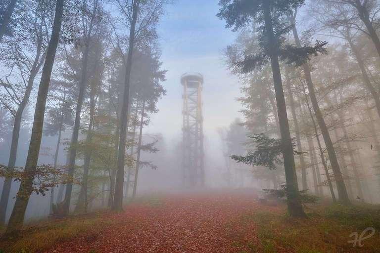 Urenkopfturm bei Nebel