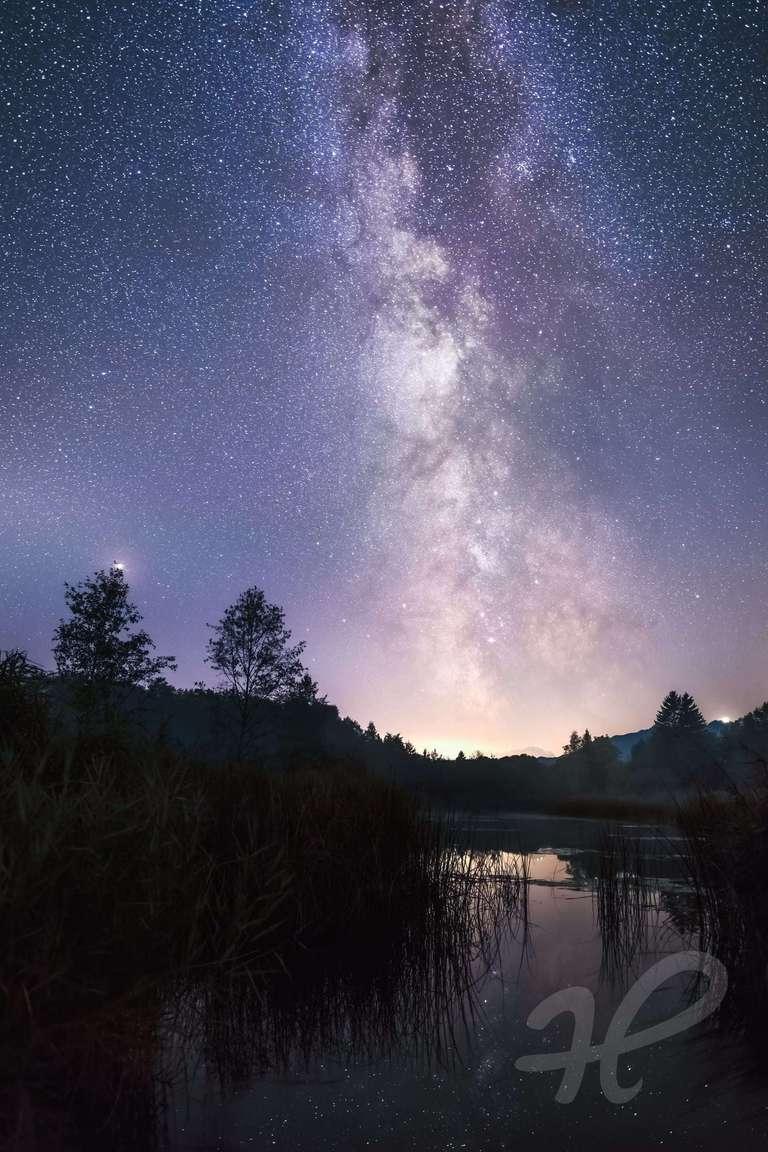Milchstraße an einem See