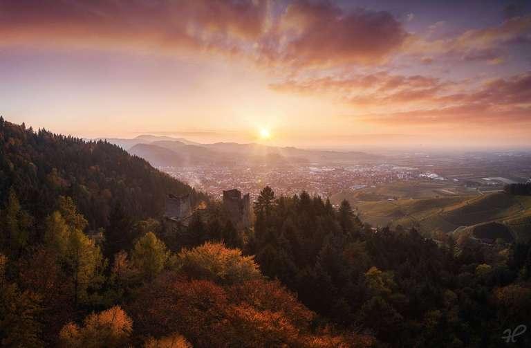 Schauenburg Ruine in Oberkirch bei Sonnenuntergang