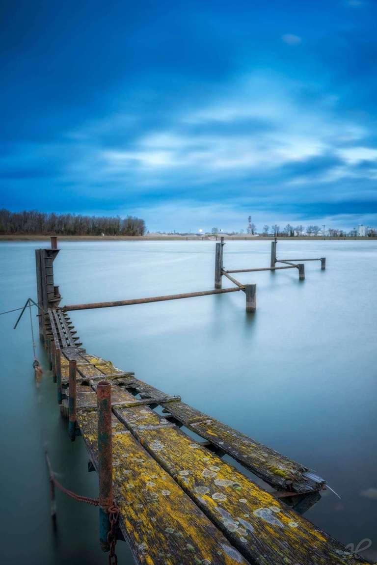 Langzeitbelichtung am Rhein