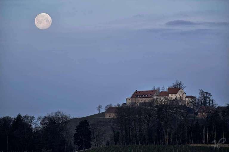 Schloss Staufenberg Monduntergang