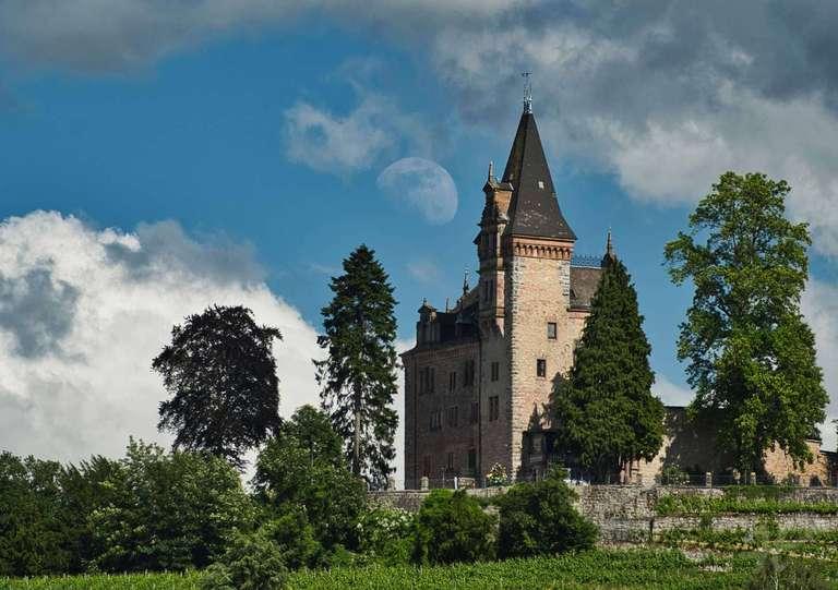 Burg Rodeck mit Mond