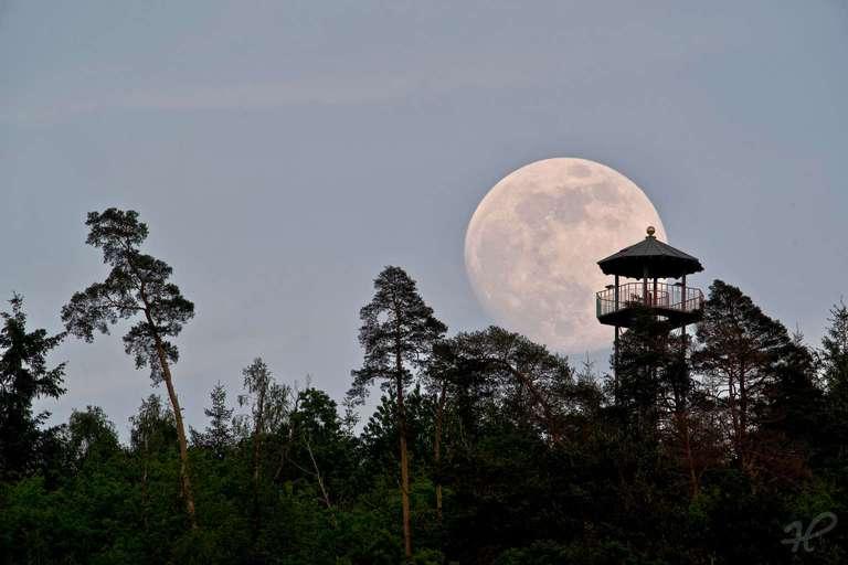Mondaufgang am Geigerskopfturm