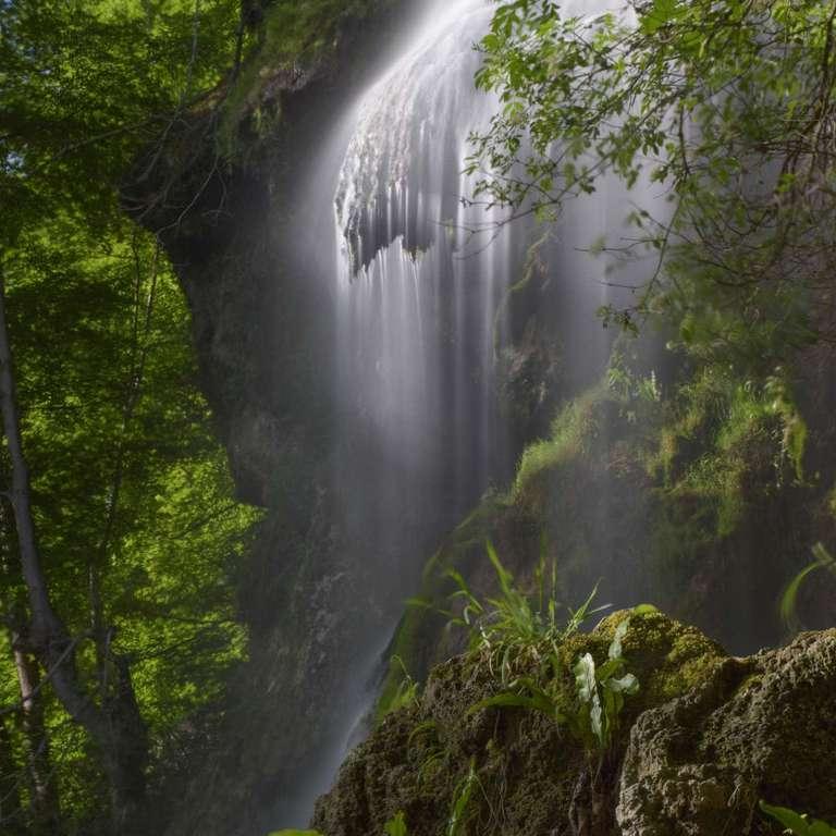 Erstes Morgenlicht am Uracher Wasserfall