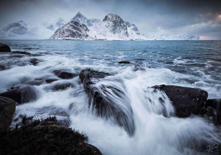 Dramatische Wellen auf den Lofoten