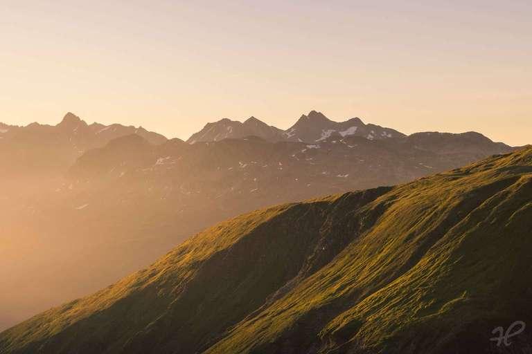 Sonnenaufgang am Furkapass
