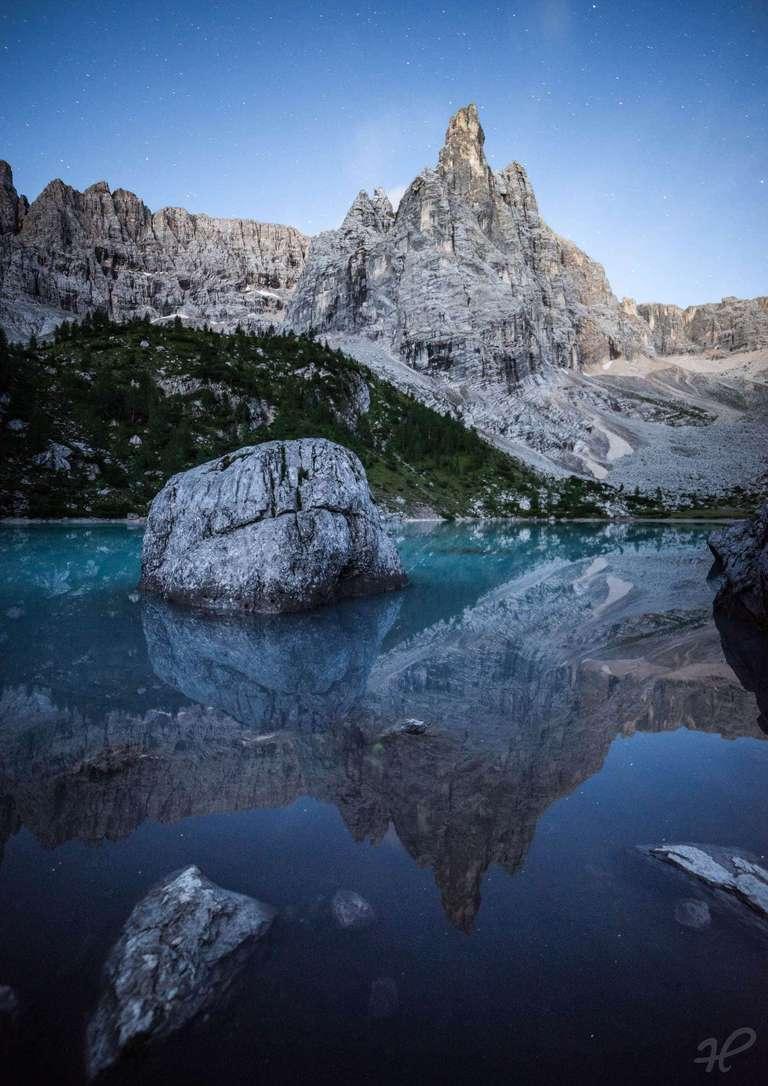 Lago di Sorapiss in der Blauen Stunde
