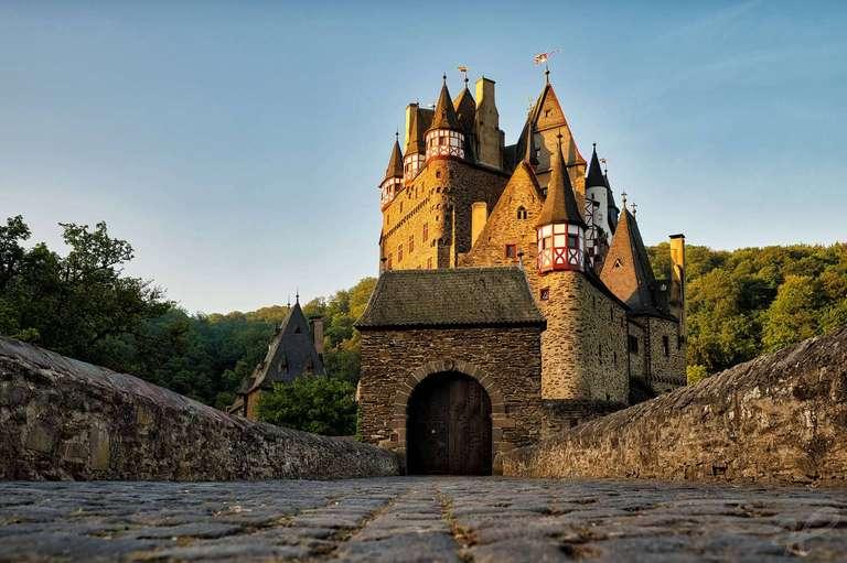 Burg Eltz Sonnenaufgang