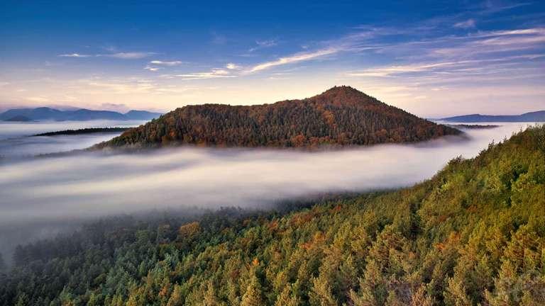Berg im Nebel