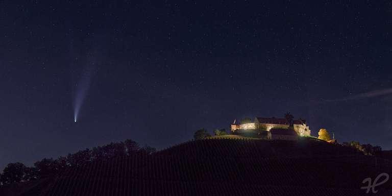Schloss Durbach mit Komet Neowise