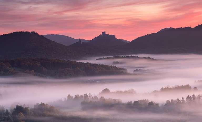 Burg Trifels in Spätherbst