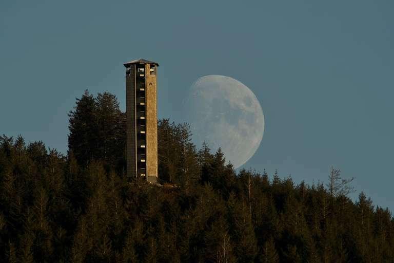 Mondaufgang neben Buchkopfturm