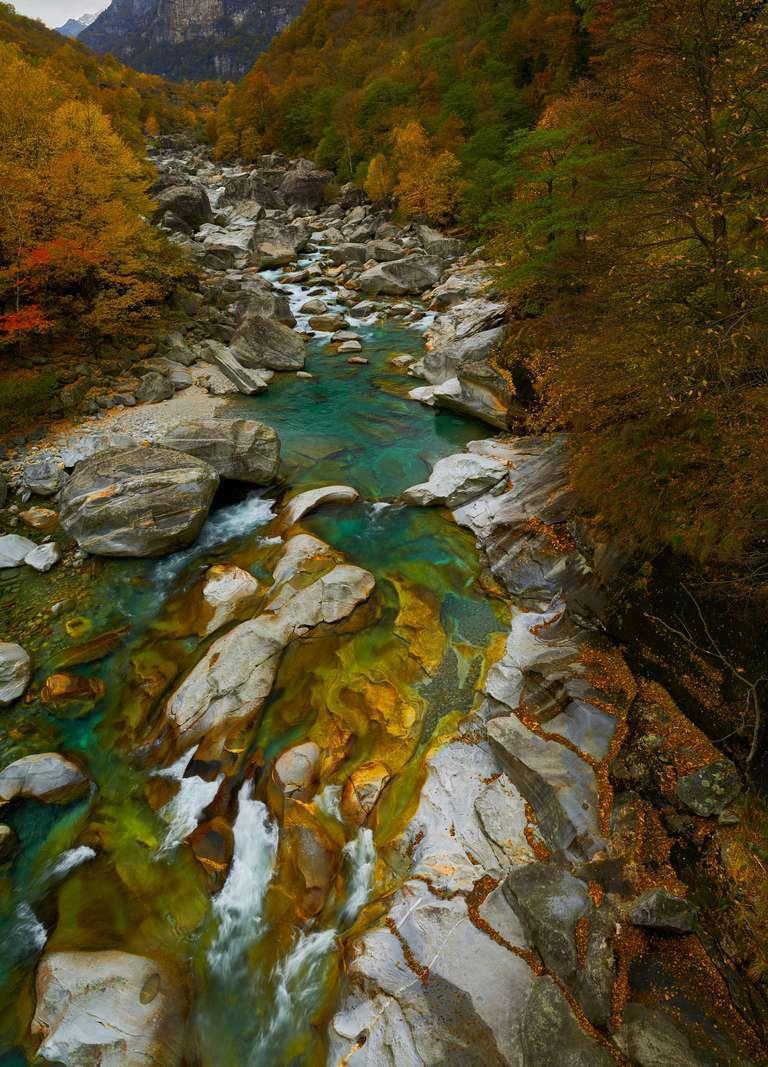 Wildbach im Tessin, Schweiz