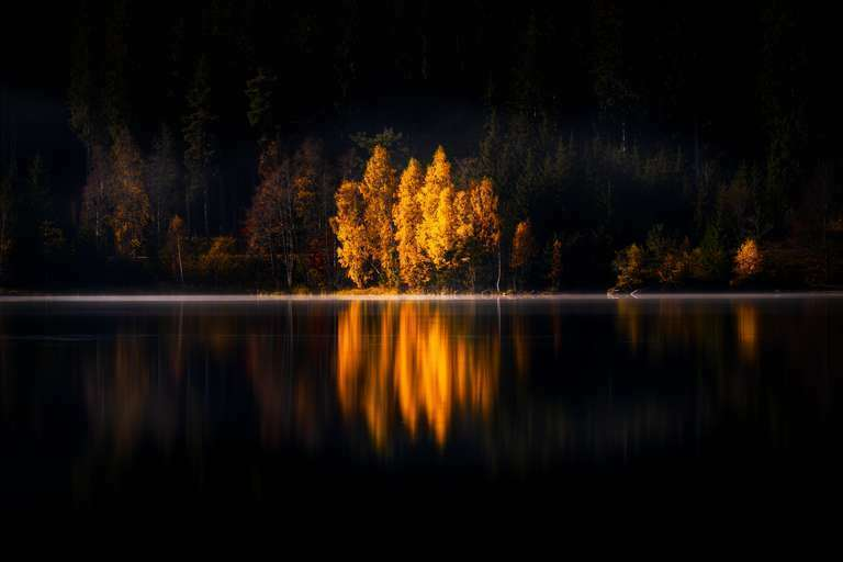 Herbst am Schluchsee - Ein Heimatfoto aus dem Hochschwarzwald von Fotograf und Heimatlicht Nick Schmid. Das Foto wird von Heimatfotos.de als Wanbild in verschiedenen Ausführungen angeboten