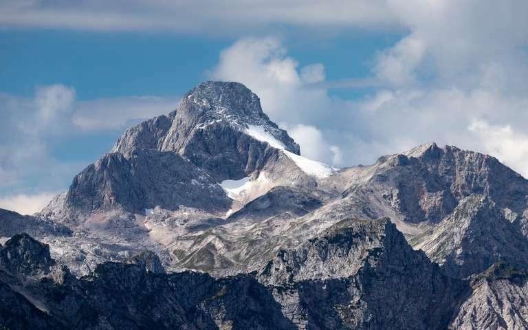Schneefeld in den Alpen