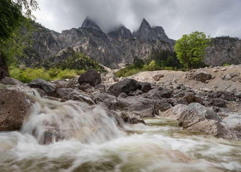 Gebirgsbach in den Alpen 7