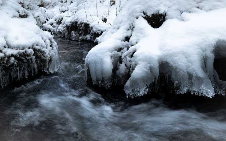 Bachlauf im Winter 1