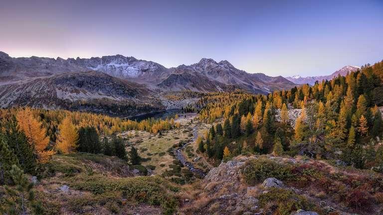 Herbstmorgen in den Bergen