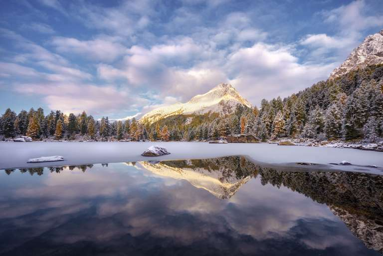 Alpenglühen am Bergsee