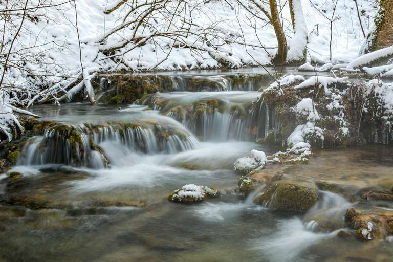 Bachterassen mit Schmelzwasser bei Bad Ditzenbach