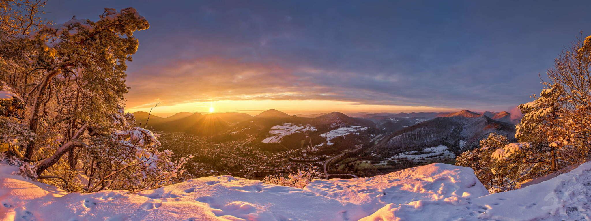 Winterlicher Sonnenaufgang über Annweiler 1